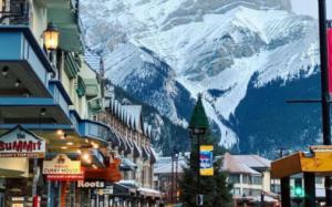 Bỏ túi ngay kinh nghiệm du lịch  5 ngày 4 đêm ở Banff, Alberta với chi phí khoảng 500-550$/ người
