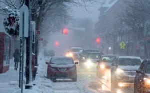 Trận bão tuyết lớn nhất từ nhiều năm nay đe dọa khắp vùng Đông Bắc Mỹ