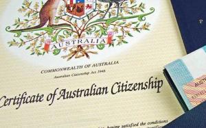 Úc: Những điều cần biết về chứng từ nộp đơn xin Quốc tịch, quyền hạn của cảnh sát và mua xe tư nhân