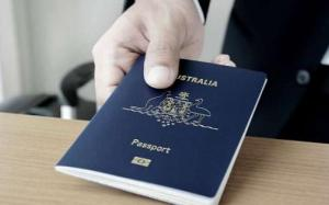 Điểm khác nhau giữa công dân và thường trú nhân Úc là gì ?
