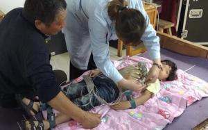 Bé trai 3 tuổi đột nhiên bất tỉnh vì đột quỵ: Bác sĩ cảnh báo dấu hiệu bệnh ở trẻ nhỏ