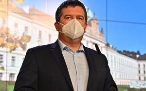 Séc: Cấm hoạt động kinh doanh 1 năm nếu nhiều lần vi phạm các biện pháp của chính phủ
