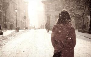 Tết năm nay, du học sinh ngồi ăn bánh một mình, nhìn tuyết rơi